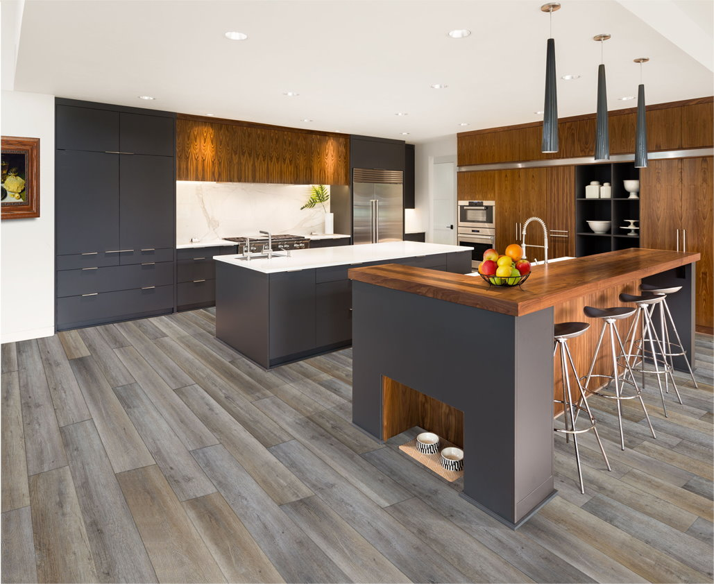 Kitchen with appalachian oak floor and cabinets